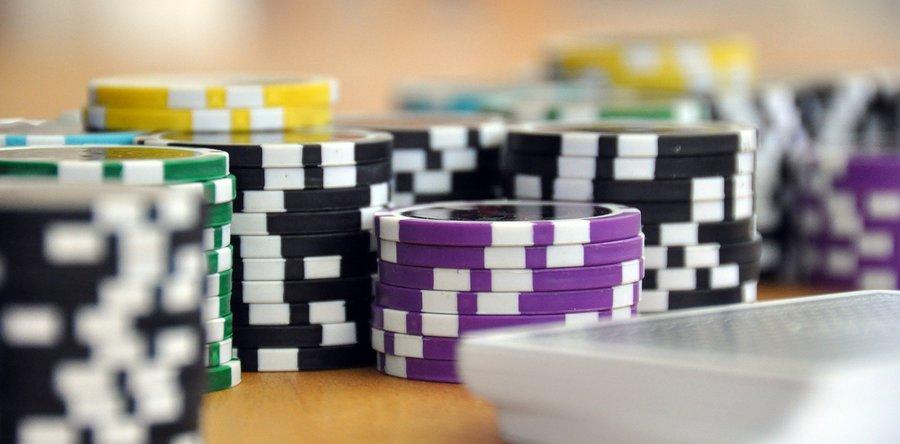 Где находится казино рояль в черногории казино вулкан удалить рекламу