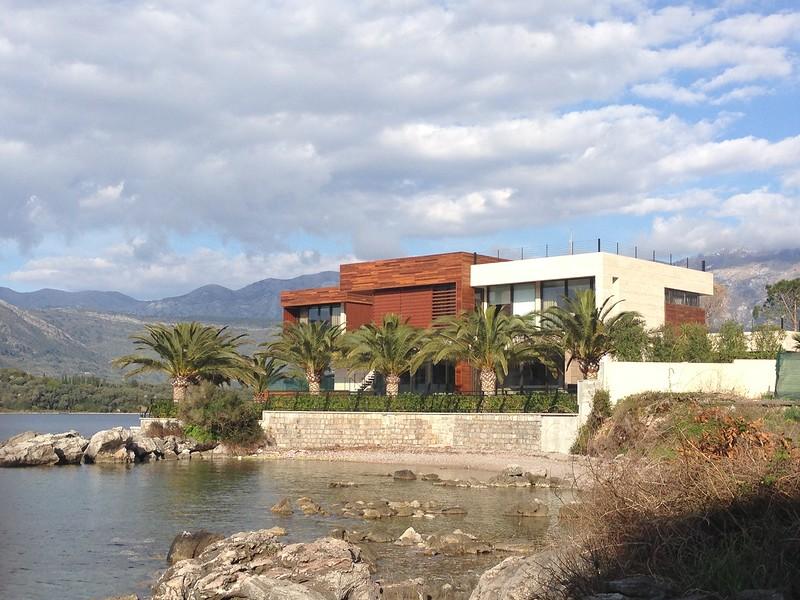 Черногория дома виллы недвижимость в чехии в праге